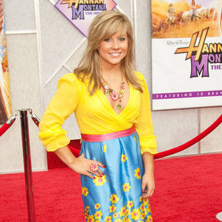 "Shawn Johnson in ""Hanna Montana: The Movie"" World Premiere - Arrivals"