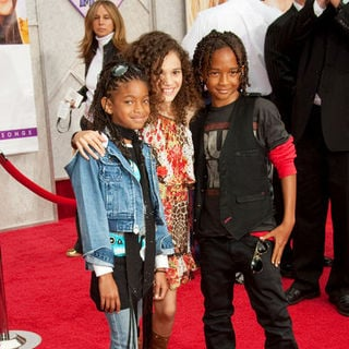 "Jaden Smith, Madison Pettis, Willow Smith in ""Hanna Montana: The Movie"" World Premiere - Arrivals"