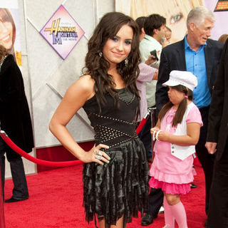 "Demi Lovato in ""Hanna Montana: The Movie"" World Premiere - Arrivals"