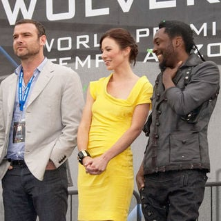 "Liev Schreiber, Lynn Collins, will.i.am in ""X-Men Origins: Wolverine"" World Premiere - Arrivals"