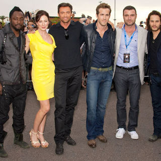 "Hugh Jackman, will.i.am, Lynn Collins, Ryan Reynolds, Liev Schreiber, Taylor Kitsch in ""X-Men Origins: Wolverine"" World Premiere - Arrivals"