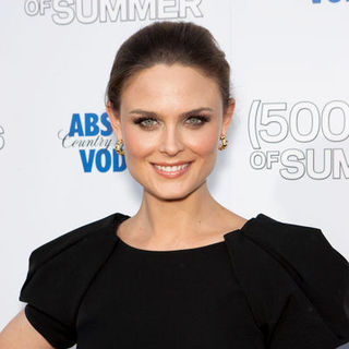 "Emily Deschanel in ""500 Days of Summer"" Los Angeles Premiere - Arrivals"