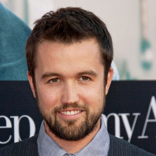 "Rob McElhenney in ""Julie & Julia"" - Los Angeles Premiere - Arrivals"