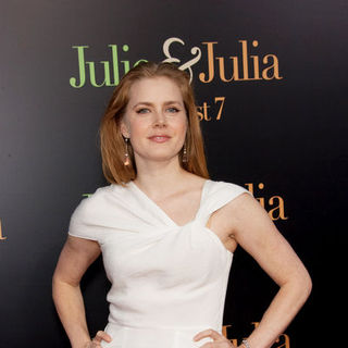"Amy Adams in ""Julie & Julia"" - Los Angeles Premiere - Arrivals"