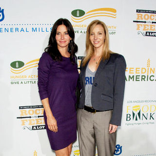 "Courteney Cox, Lisa Kudrow in ""Rock A Little, Feed A Lot"" Benefit Concert - Arrivals"