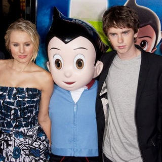 "Kristen Bell, Freddie Highmore in ""Astro Boy"" Los Angeles Premiere - Arrivals"
