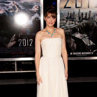 "Amanda Peet in ""2012"" Los Angeles Premiere - Arrivals"
