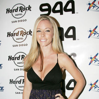 Kendra Wilkinson in Red Bull Airshow After Party - Red Carpet Arrivals