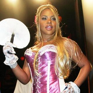 Lil' Kim in Olympus Fashion Week Spring 2005 - Betsey Johnson Backstage