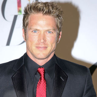 Jason Lewis in 2008 CFDA Fashion Awards - Arrivals