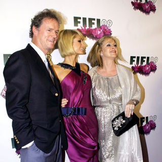 Paris Hilton, Rick Hilton, Kathy Hilton in 37th Annual FIFI Awards - Arrivals