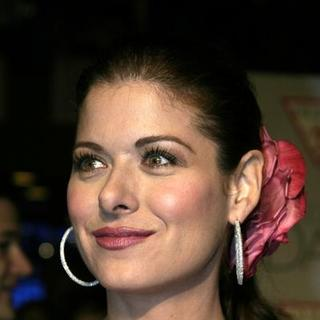 Debra Messing in The Wedding Date Los Angeles Premiere