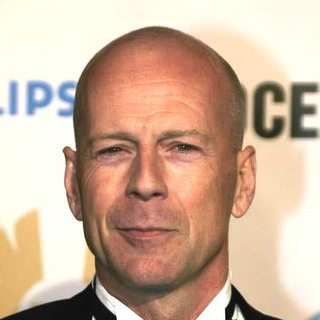 Bruce Willis in Ocean's Twelve Los Angeles Premiere - Arrivals