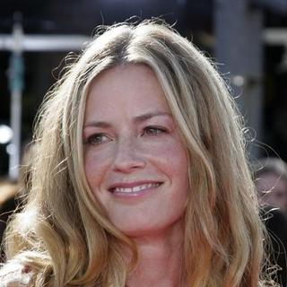 Elisabeth Shue in Dreamer Los Angeles Premiere - Arrivals