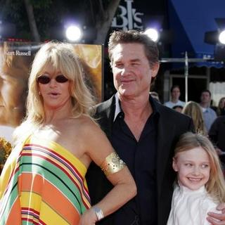 Kurt Russell, Goldie Hawn in Dreamer Los Angeles Premiere - Arrivals