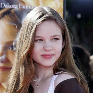 Daveigh Chase in Dreamer Los Angeles Premiere - Arrivals