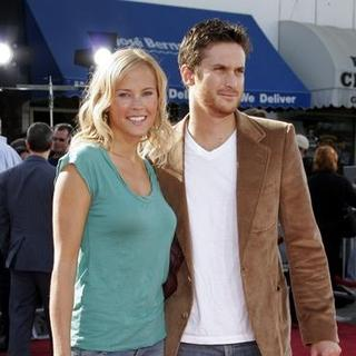 Oliver Hudson in Dreamer Los Angeles Premiere - Arrivals - DGG-006241