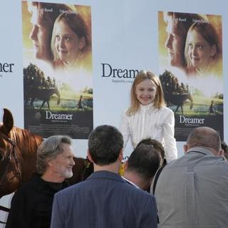 Dakota Fanning in Dreamer Los Angeles Premiere - Arrivals