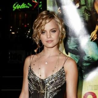 Mena Suvari in Domino Los Angeles Premiere - Arrivals