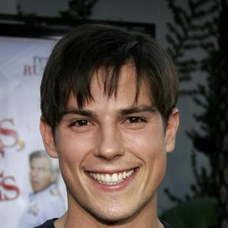 Sean Faris in Yours, Mine and Ours World Premiere - Arrivals