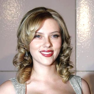 Scarlett Johansson in Match Point Premiere - Arrivals