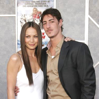 Moon Bloodgood, Eric Balfour in Eight Below World Premiere