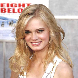 Sara Paxton in Eight Below World Premiere