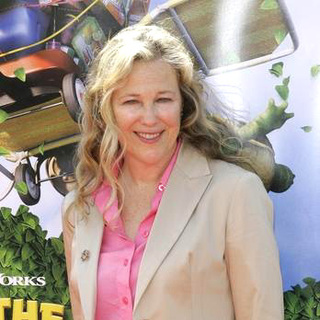 Catherine O'Hara in Over The Hedge Los Angeles Premiere