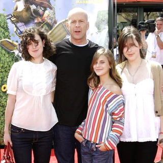 Bruce Willis in Over The Hedge Los Angeles Premiere