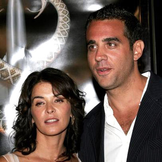 Annabella Sciorra, Bobby Cannavale in Snakes on a Plane Los Angeles Premiere