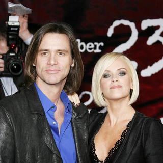 Jenny McCarthy in The Number 23 Los Angeles Premiere - DGG-014280