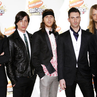 Maroon 5 in Nickelodeon's 20th Annual Kids' Choice Awards
