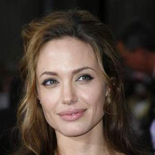 Angelina Jolie in Ocean's 13 Los Angeles Premiere