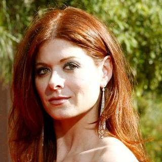 Debra Messing in 59th Primetime Emmy Awards