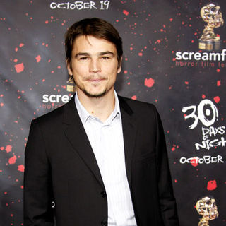 Josh Hartnett in 30 Days of Night Los Angeles Premiere - DGG-016944