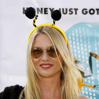 Nicollette Sheridan in Bee Movie Los Angeles Premiere