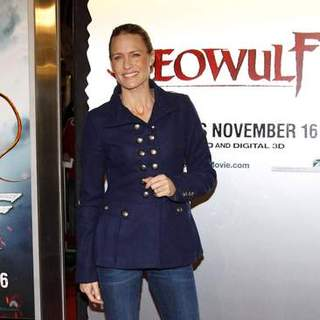"Robin Wright Penn in ""Beowulf"" Los Angeles Premiere - Arrivals"