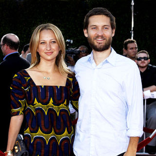 Jennifer Meyer, Tobey Maguire in Tropic Thunder Los Angeles Premiere - Arrivals