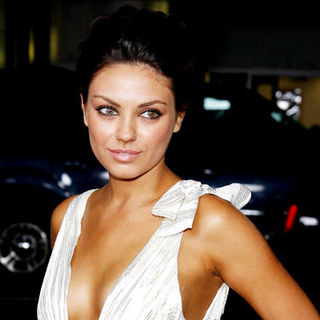 "Mila Kunis in ""Max Payne"" Hollywood Premiere - Arrivals"