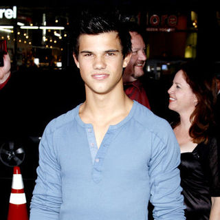 "Taylor Lautner in ""Max Payne"" Hollywood Premiere - Arrivals"