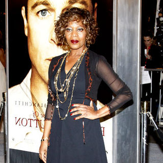 "Alfre Woodard in ""The Curious Case Of Benjamin Button"" Los Angeles Premiere - Arrivals"