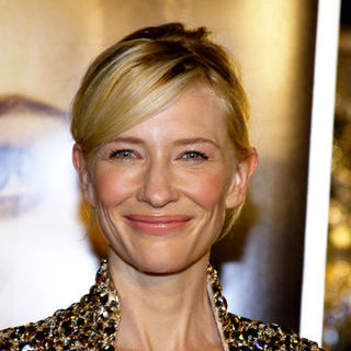 "Cate Blanchett in ""The Curious Case Of Benjamin Button"" Los Angeles Premiere - Arrivals"