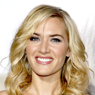 "Kate Winslet in ""Revolutionary Road"" World Premiere - Arrivals"