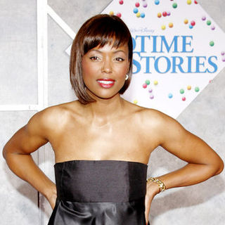 "Aisha Tyler in ""Bedtime Stories"" Los Angeles Premiere - Arrivals"