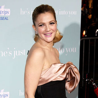"Drew Barrymore in ""He's Just Not That Into You"" World Premiere - Arrivals"