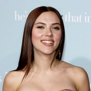 "Scarlett Johansson in ""He's Just Not That Into You"" World Premiere - Arrivals"