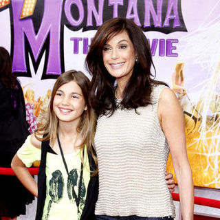 "Teri Hatcher in ""Hanna Montana: The Movie"" World Premiere - Arrivals"