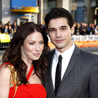 "Lynn Collins, Steven Strait in ""X-Men Origins: Wolverine"" Los Angeles Premiere - Arrivals"