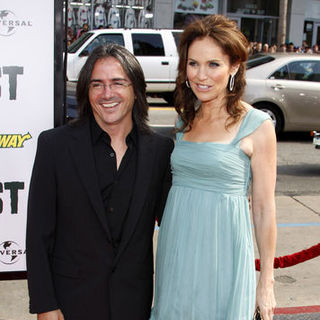 "Amy Brenneman, Brad Silberling in ""Land of the Lost"" Los Angeles Premiere - Arrivals"