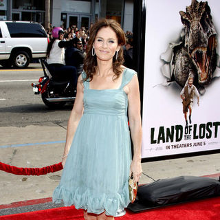 "Amy Brenneman in ""Land of the Lost"" Los Angeles Premiere - Arrivals"